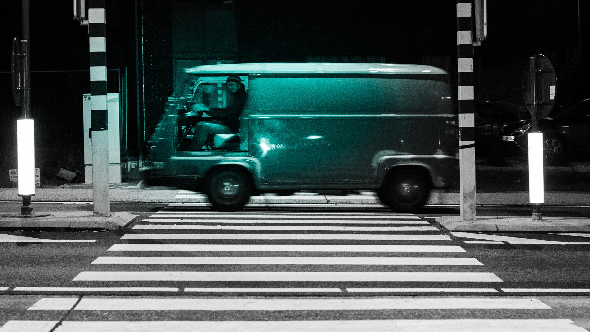 mini van - straatfotografie :: foto-rv